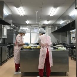 《近鉄八尾》1日4h勤務こどもたちのおやつや給食調理スタッフ